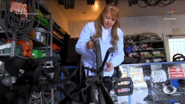 Foto: La mujer originaria de Hermosillo, Sonora, lleva varios años en el oficio de reparadora y afirma que siempre es un placer satisfacer a sus clientes con su trabajo