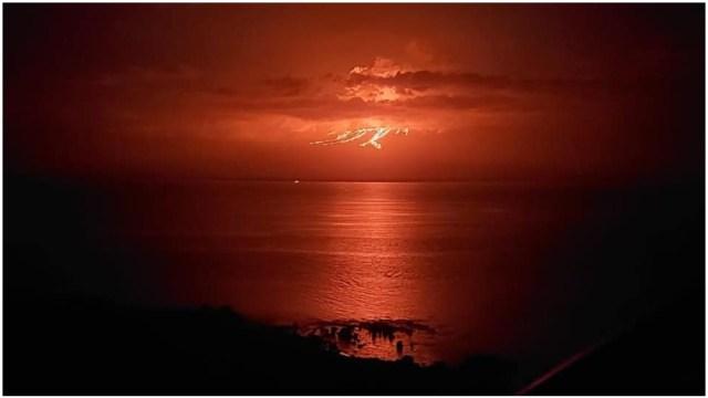 Foto: Entra en erupción volcán La Cumbre en Galápagos, 12 de enero de 2020 (Parque Nacional de Galápagos)