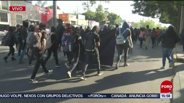 FOTO: estudiantes de la unam marchan sobre insurgentes rumbo a rectoria