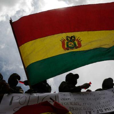 Bolivia autoriza salida de exfuncionarios de Evo Morales a México