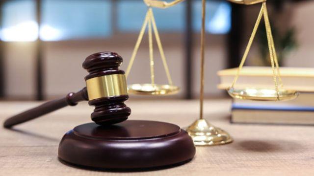 Destituyen a magistrado federal por hostigamiento sexual