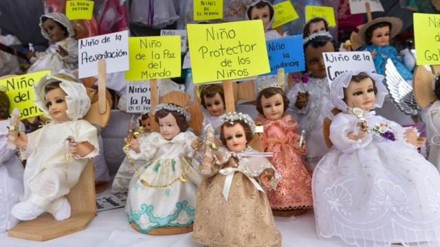 Foto: Ventas de figuras y trajes para Niños Dios. Cuartoscuro
