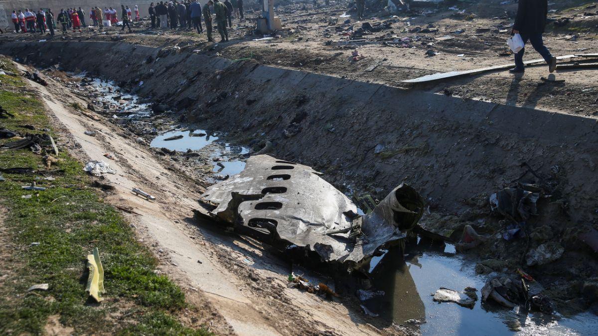 Foto: Restos de avión ucraniano accidentado cerca del aeropuerto Khomeini, en Teherán, Irán- Reuters