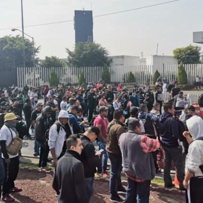 Policías federales protestan afuera del Centro de Mando en Iztapalapa