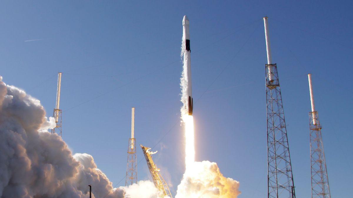 Foto: Cohete Falcon 9 de SpaceX. AP