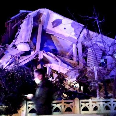 Foto: Un edificio colapsado en la provincia turca de Elazig. Reuters