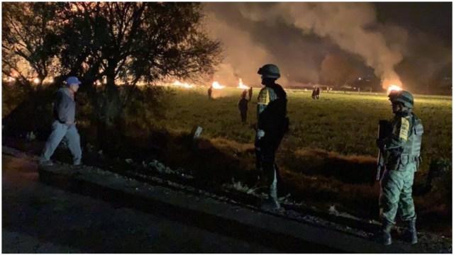 Imagen: Recuerdan familiares y autoridades a fallecidos en explosión de Tlahuelilpan, 18 de enero de 2020 (SEDENA)