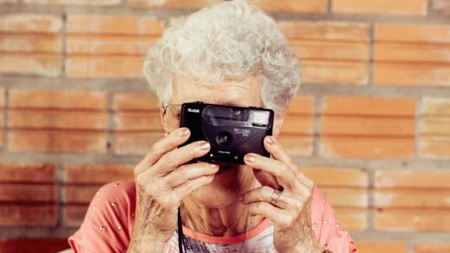 Universidad en México dará clases para adultos mayores