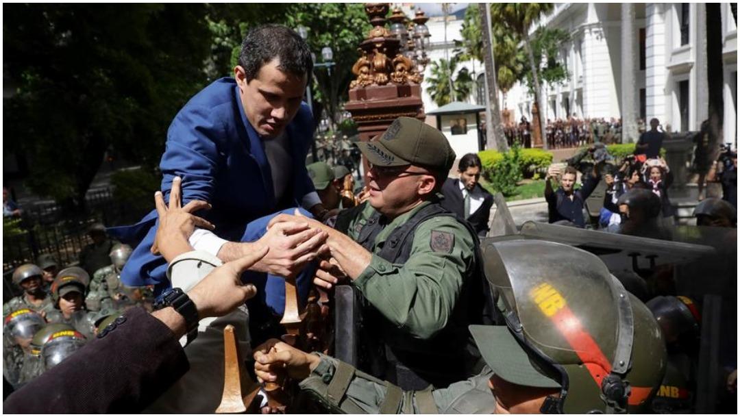 Foto: Guardia Nacional impidió ingreso de Juan Guaidó al Parlamento, 5 de enero de 2020 (EFE)