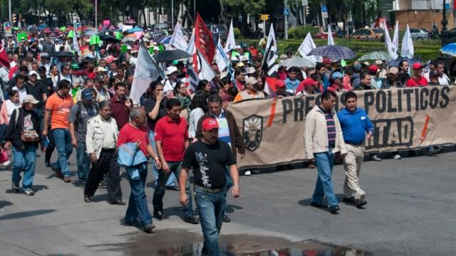 Foto: Integrantes del Sindicato Mexicano de Electricistas (SME) realizan una marcha en la Ciudad de México, 8 enero 2020