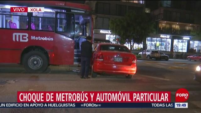 Foto: Metrobús Choca Carro Particular Xola Hoy 13 Enero 2020