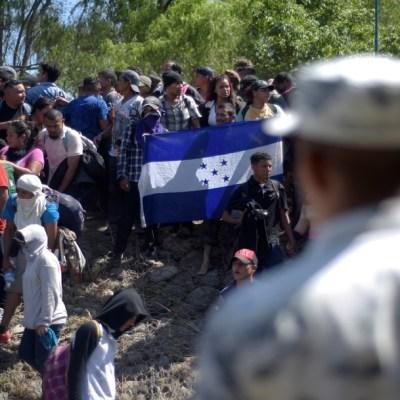 México analiza deportar a cientos de migrantes tras choque con la Guardia Nacional en la frontera sur