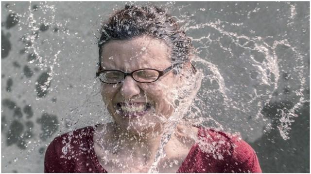 Imagen: Una mujer de la tercera edad fue maltratada por su hijo tras bañarla con agua fría, 19 de enero de 2020 (Pixabay)