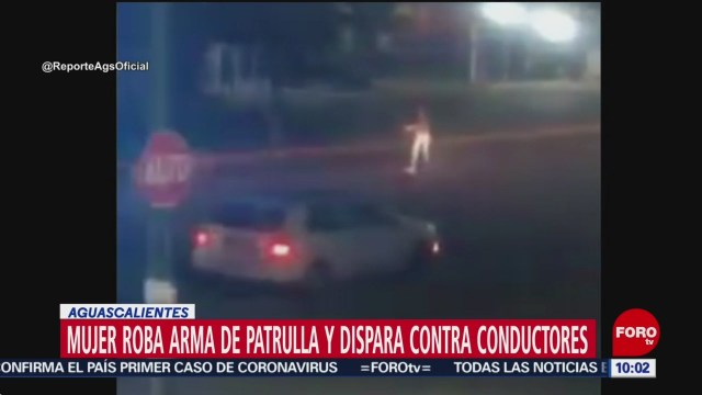 FOTO: 26 enero 2020, mujer roba arma de patrulla y se pone a disparar en aguascalientes