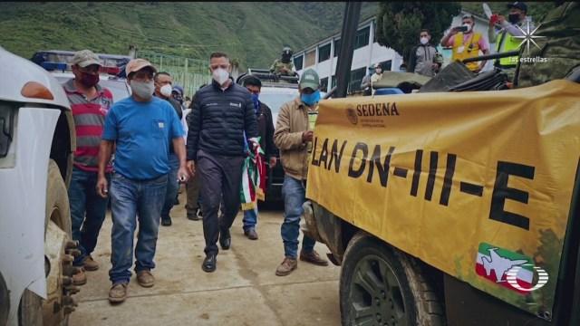 Alejandro Murat gobernador de Oaxaca evaluadno daños del sismo en Oaxaca