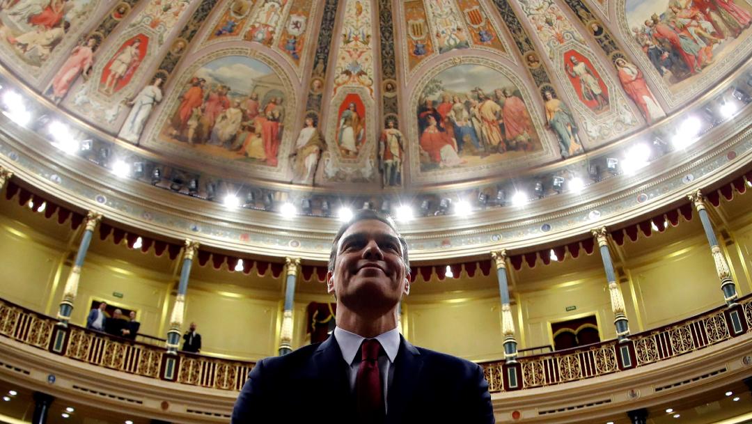 FOTO Pedro Sánchez logra investidura en España (EFE)