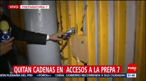 Foto: Prepa 7 UNAM Quitan Cadenas Accesos 28 Enero 2020