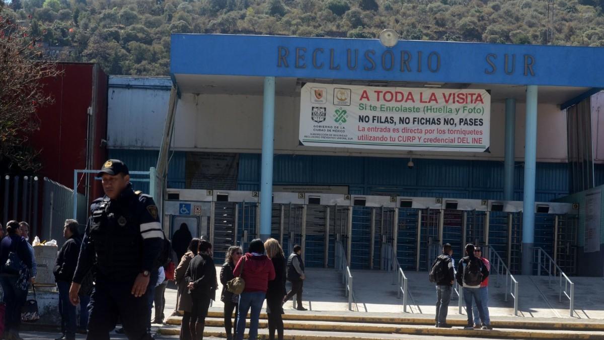 Gobierno capitalino pide renuncia de director del Reclusorio