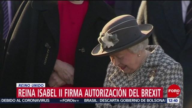 reina isabel ii firma autorizacion del brexit en reino unido