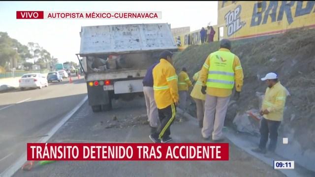 retiran trailer que volco en la autopista mexico cuernavaca