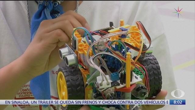 Foto: reyes magos y padres de familia podrian acercar a ninos a robotica