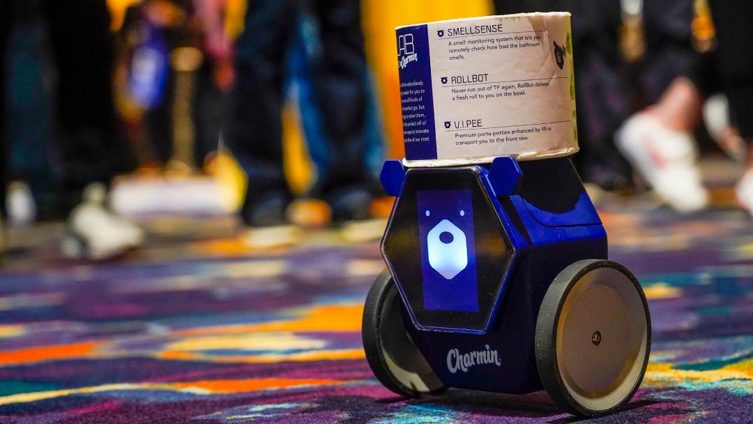 FOTO: Presentan robot que lleva papel higiénico al baño, el 06 de enero de 2020