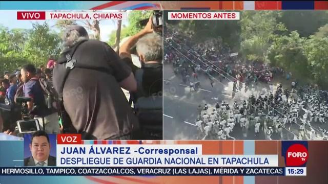 FOTO: tension en chiapas por presencia de guardia nacional frente a migrantes