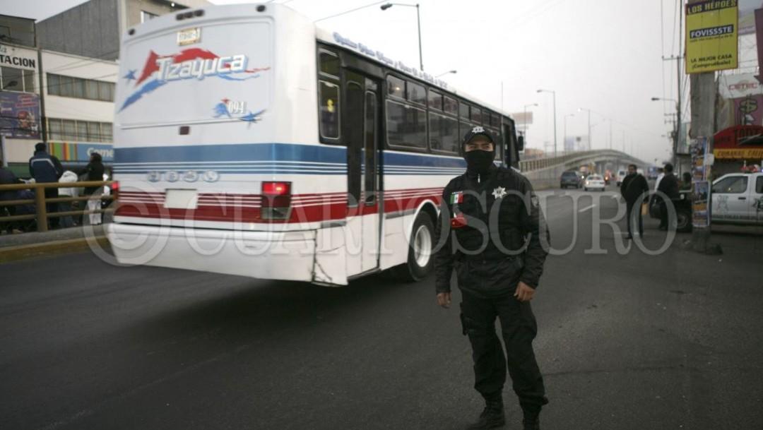 Vinculan a proceso a 13 hombres por robo al transporte público y de carga