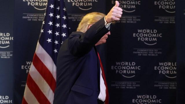 Trump bate su récord de tuits en un solo día desde que llegó a la Casa Blanca