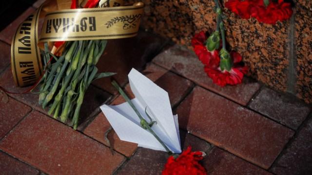 FOTO Ucrania descarta terrorismo en accidente de avión en Irán (EFE)