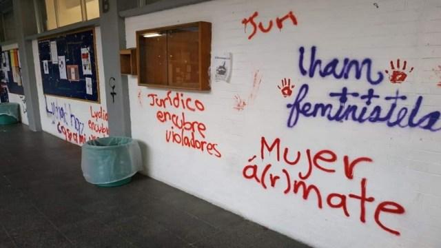 Continúa tomada la Prepa 9 de la UNAM; exigen destituciones y convocan a asamblea