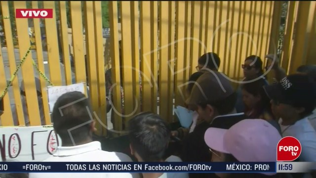 alumnos tratan de recuperar las instalaciones del cch sur