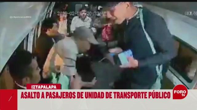 FOTO: asaltan con violencia a pasajeros de combi en iztapalapa