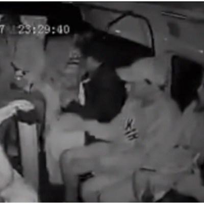 Captan a asaltantes en pleno robo en trasporte público de Iztapalapa