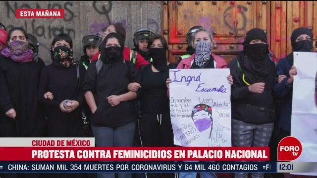 asi fueron las protestas de manifestantes feministas en palacio nacional