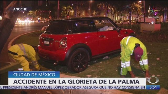 auto se impacta en la glorieta de la palma en cdmx