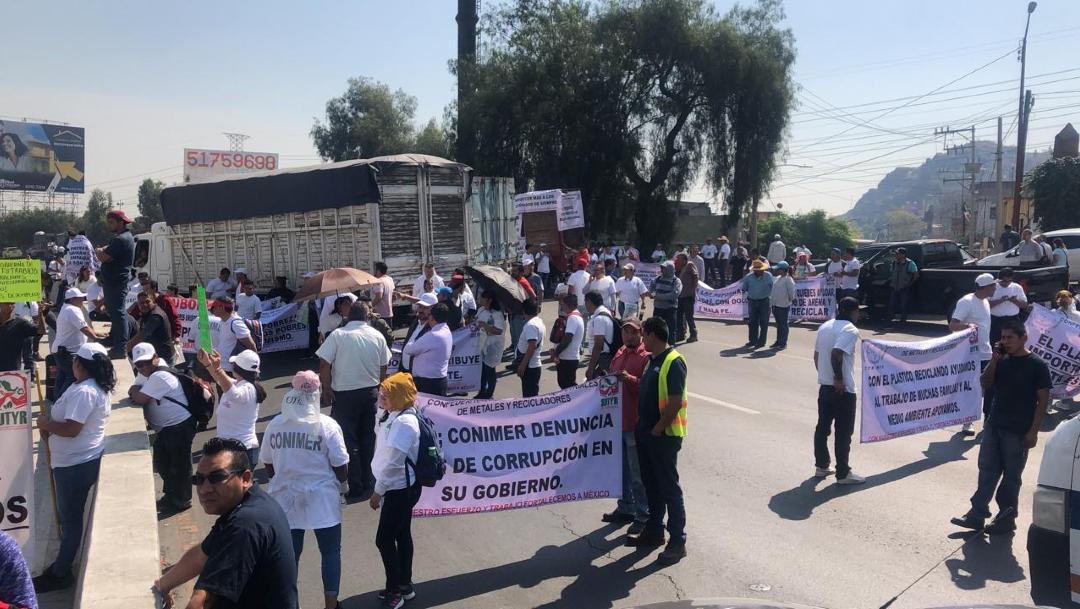 FOTO Recicladores bloquean diversas autopistas en México contra reforma a ley de residuos (FOROtv)