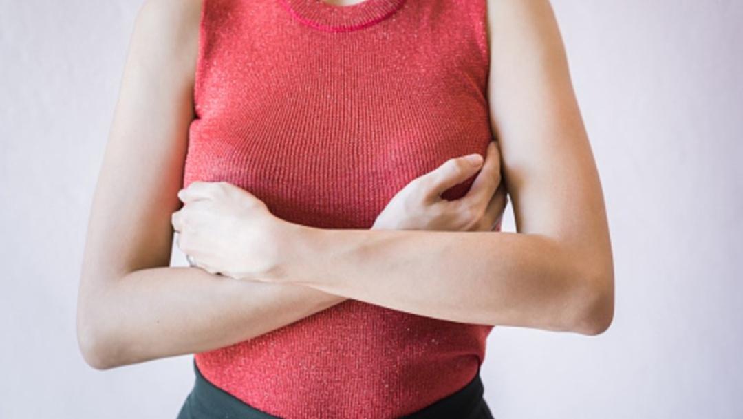 FOTO Ciberdelincuentes engañan a mujeres para que compartan fotos de sus senos (Getty Images)