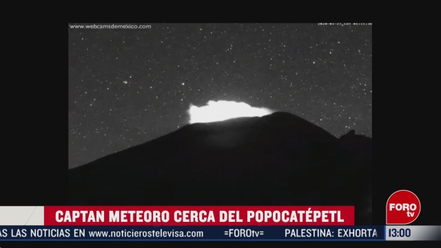 captan destello cercano al volcan popocatepetl