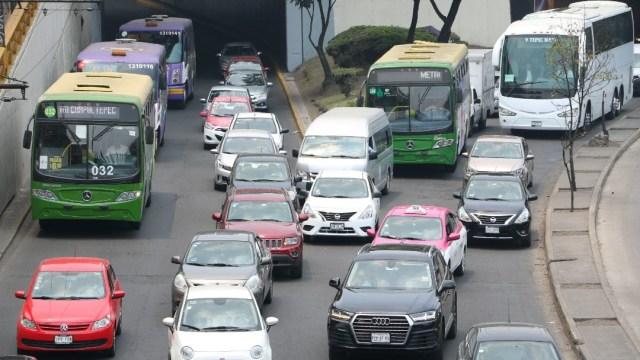 Imagen: Este sábado no circulan los vehículos con holograma 2 y por ser cuarto sábado del mes las unidades con holograma 1 con terminación par