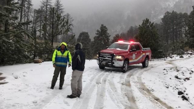 Cierran acceso Nevado de Colima por caída de nieve y viento