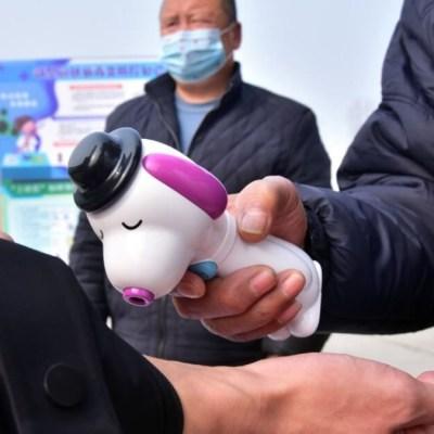 Aumenta a 2 mil la cifra de muertos por coronavirus en China