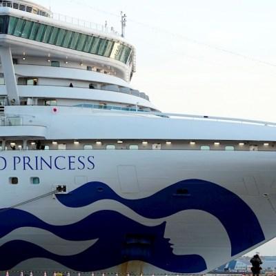 Suman 64 infectados por nuevo coronavirus en crucero en Japón