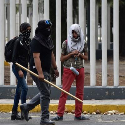 Foto: Enfrentamiento en CCH Azcapotzalco deja 14 lesionados , 21 de febrero de 2020, (MARIO JASSO /CUARTOSCURO.COM)