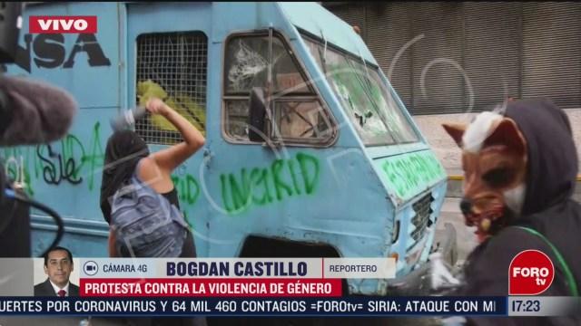 FOTO: encapuchadas vandalizan periodico la prensa