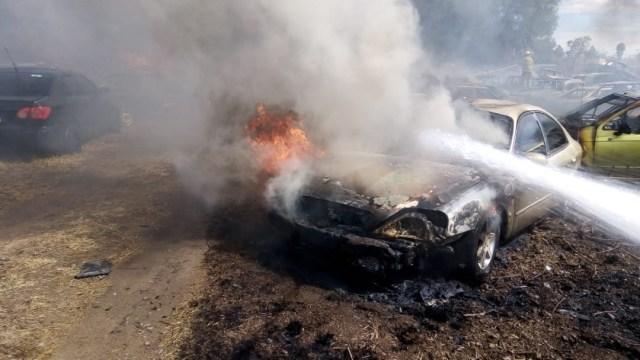 Foto Incendio consume 100 carros en corralón de Jalisco, 12 de febrero de 2020, (Twitter @OPEALERTCR)