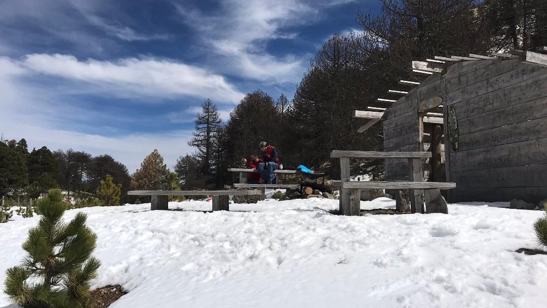 Foto: Miles de personas disfrutan de la nieve en el Nevado de Colima, 8 de febrero de 2020, (Bertha Reynoso)