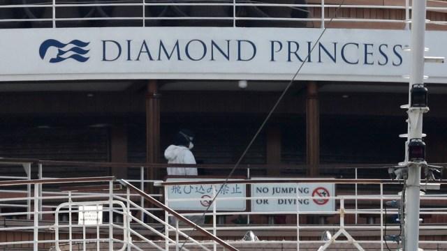 Foto: Crucero Diamond Princess en el puerto japonés de Yokohama. Reuters