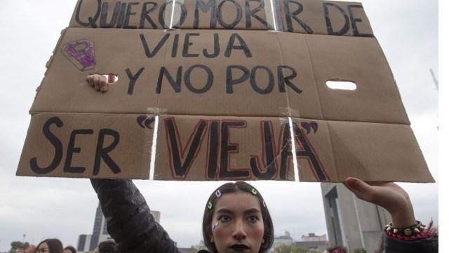 Foto: Mujeres protestan en calles de Monterrey contra la violencia de género. Cuartoscuro