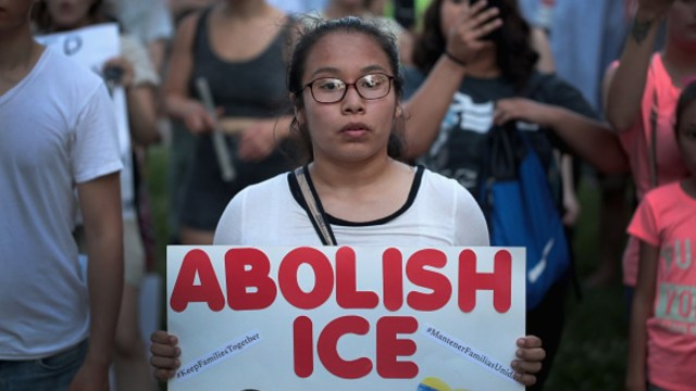 Foto: Protestan en calles de Chicago, EEUU, contra la agencia ICE. Getty Images